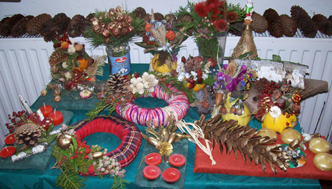 Viseći i adventski božićni ukrasi